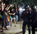 Tensión entre Mossos y manifestantes independentistas a las puertas del Parlament
