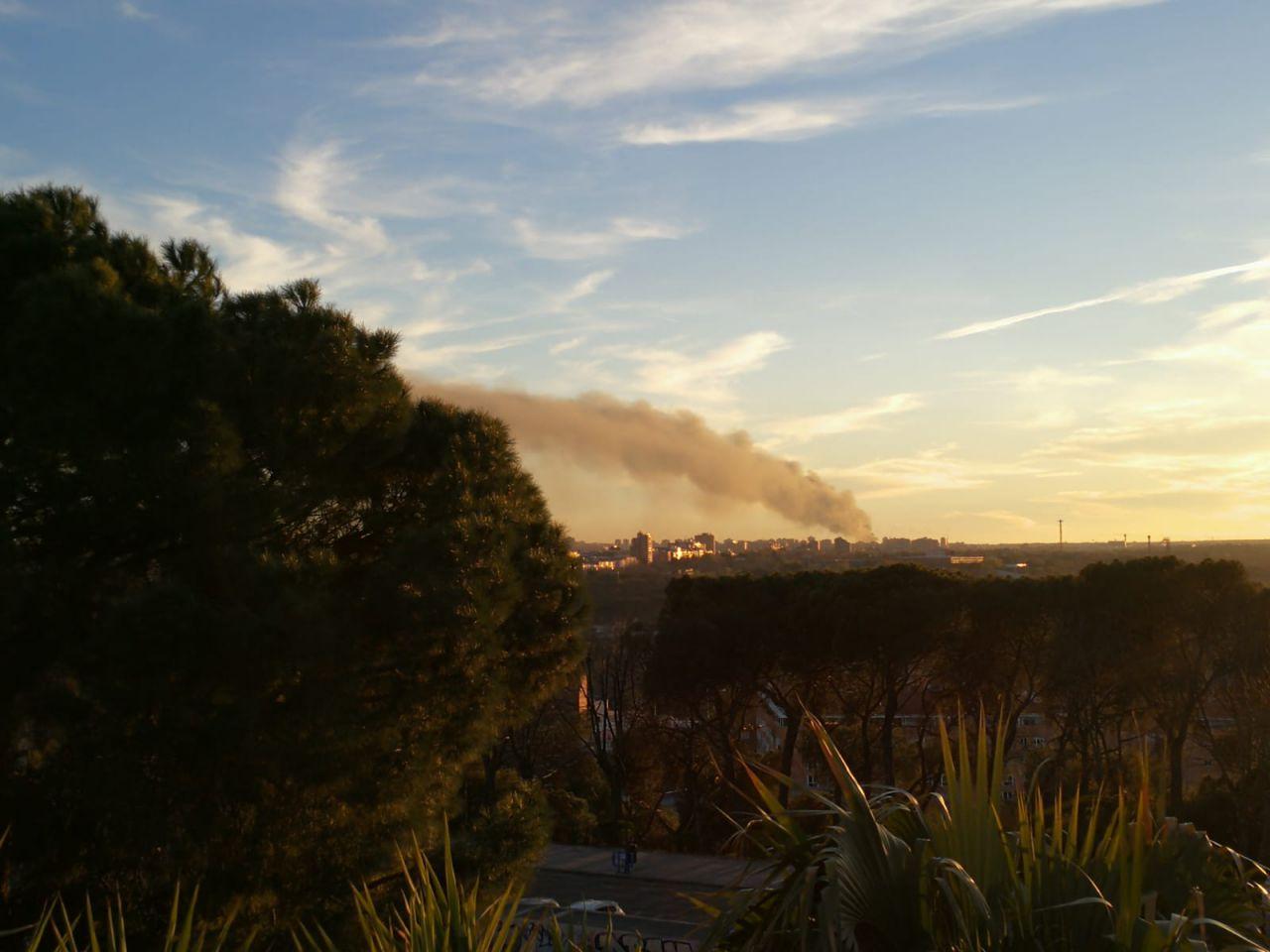 Vista del incendio desde el templo de Debod