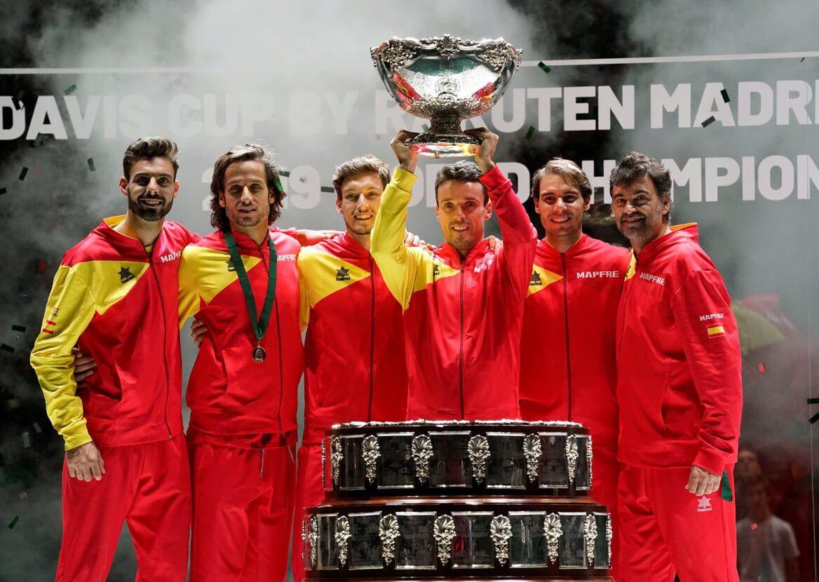 24 de noviembre: la selección española de tenis ganaba su sexta Copa Davis en la primera edición con nuevo formato, en una semana de competición y con todos los países congregados en una misma sede, que fue Madrid. Nadal estuvo brillante y con sus victorias encaminó el triunfo final