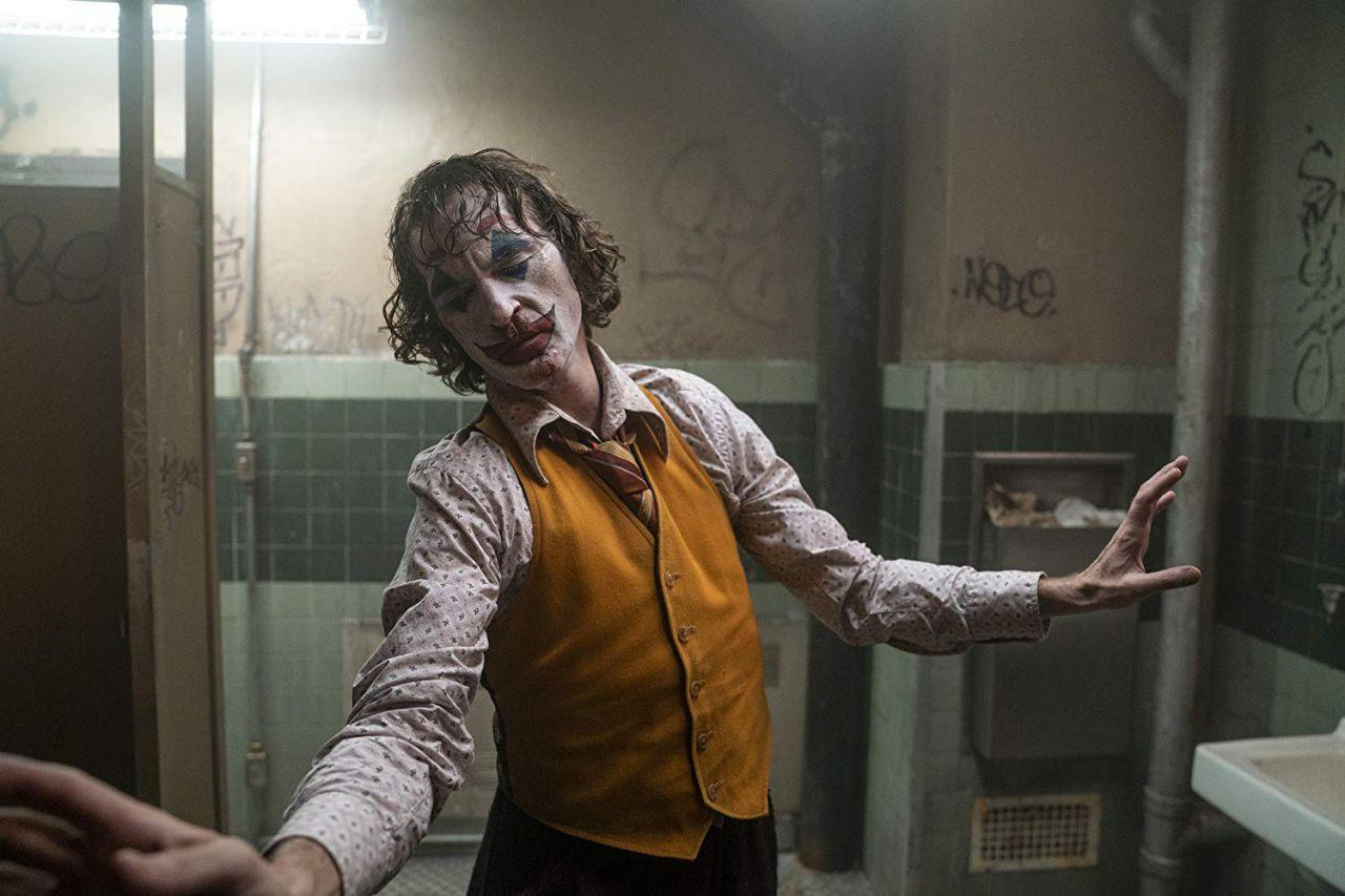 4 de octubre: en el último tramo del año llegaba este estreno estelar que al final fue el más significativo. 'Joker' arrasó en taquillas y aunque no se espera que su éxito se traduzca en premios Oscar el año que viene, al público lo ganó con creces este filme de Todd Phillips protagonizado por un gran Joaquin Phoenix