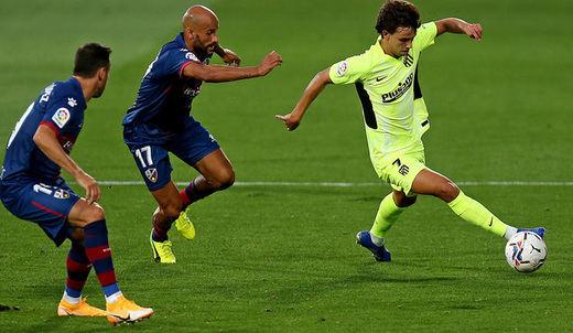 El Atleti, tras aprender a golear, se queda a cero en Huesca (0-0)