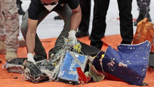 El accidente en un avión indonesio deja al menos 62 víctimas mortales