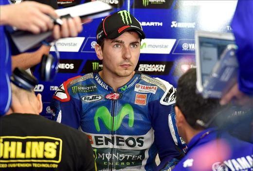 Lorenzo se gana el liderato en MotoGP, suenan las alarmas en Honda con Márquez