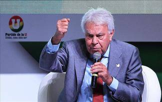 Felipe González llega sin problemas a Caracas para defender a opositores