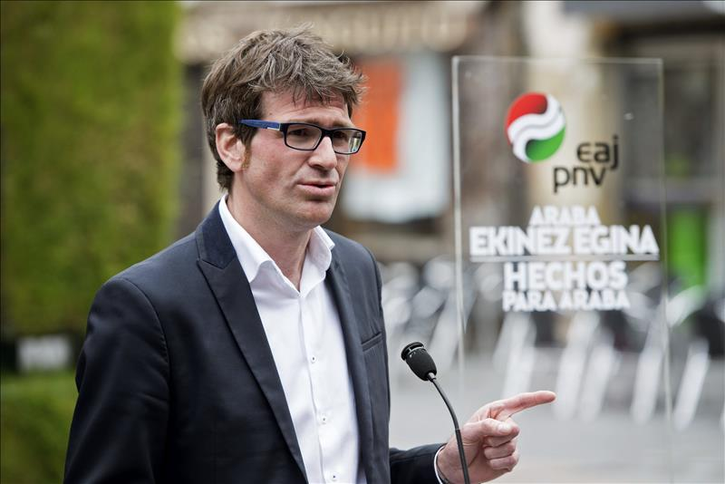 Polémica elección de Urtaran como alcalde de Vitoria