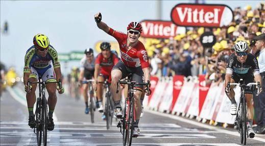 Greipel gana al sprint, Cancellara líder; Quintana y Nibali ceden tiempo