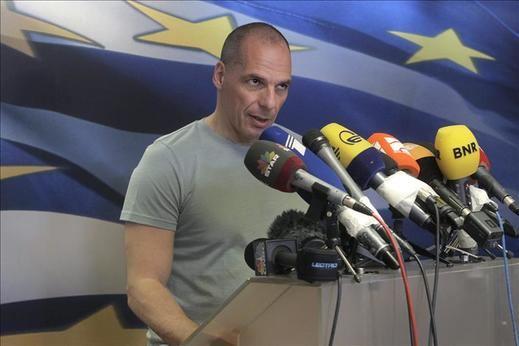 """Varufakis dice que con el """"no"""" Atenas """"tiende la mano"""" a los socios"""