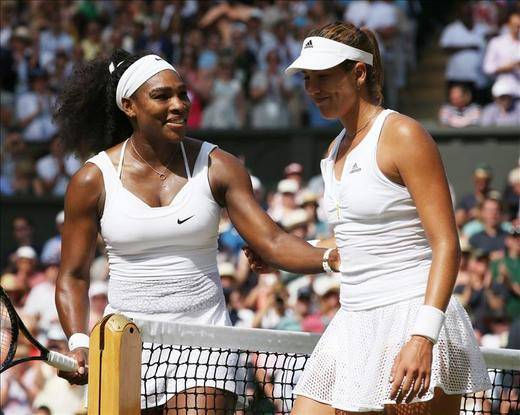 Serena reina de nuevo Wimbledon y aparta a Garbiñe de su primer Grand Slam