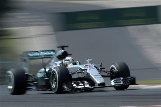 Hamilton logró en Hungría su quinta 'pole' consecutiva
