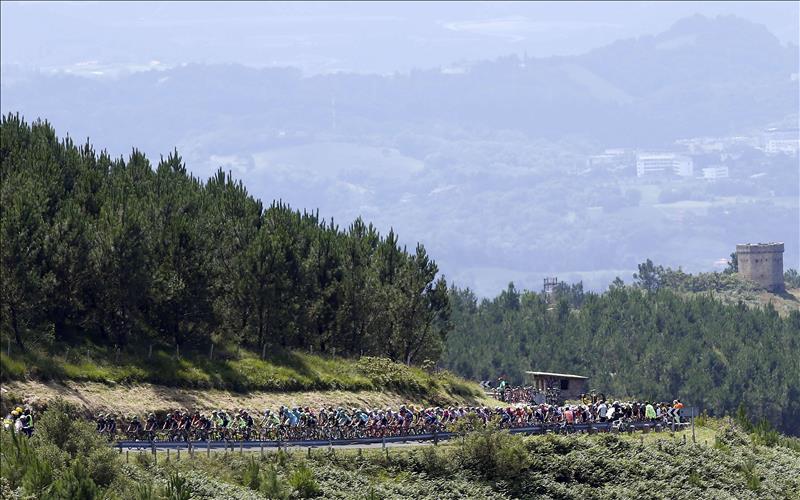 Yates se adjudica la Clásica de San Sebastián y vence a Gilbert y Valverde