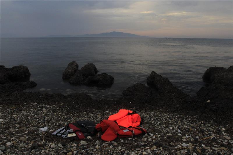 Localizan a 18 barcos con cerca de 2.000 inmigrantes frente a las costas de Libia