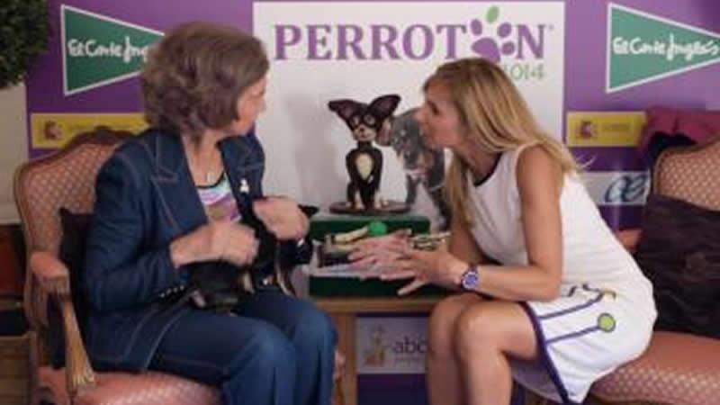 Alejandra Botto, creadora de Perrotón, conversa con Su Majestad la Reina Hemérita Doña Sofía