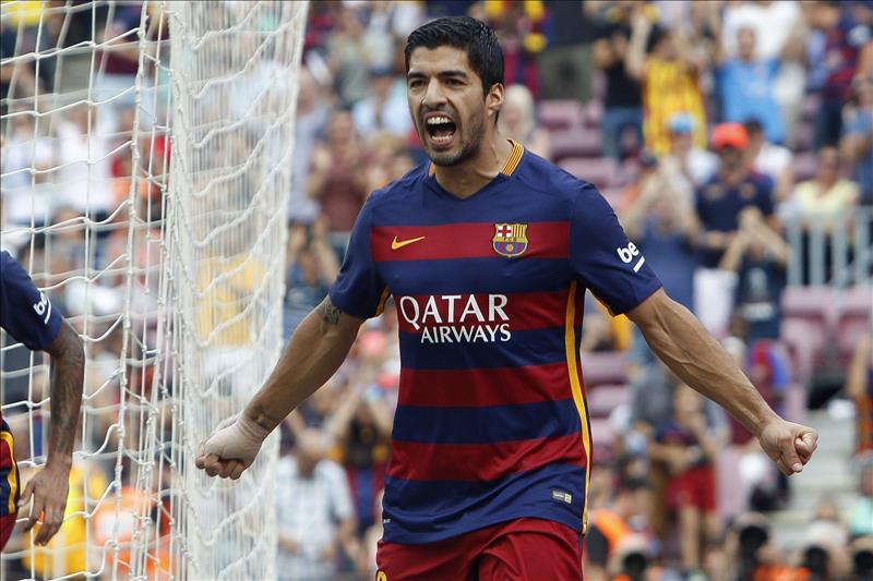 2-1. Luis Suárez recupera el olfato goleador en el partido que Messi se lesionó