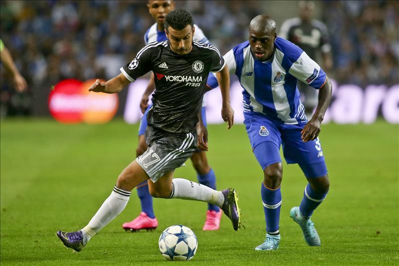 Casillas se venga de Mourinho: el Oporto puede con un defensivo Chelsea (2-1)
