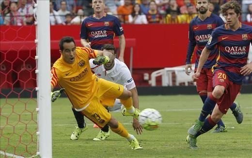 2-1. El Barcelona pierde gas sin Messi ante un redimido Sevilla