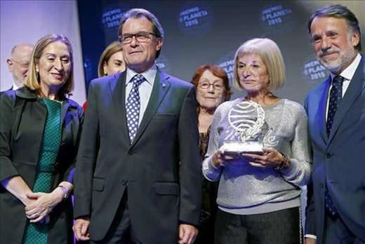 El morbo se cuela en una gala de los Premios Planeta repleta de políticos