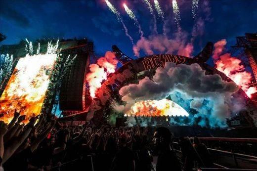 De Madrid al Cielo... ¿o al infierno? AC/DC quemaron la capital en una gran fiesta en el Calderón