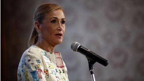 Cifuentes 'echa balones fuera': emplaza a Aguirre y González a decidir sobre Victoria y Figar, imputados en la Púnica