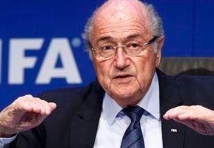 La sorprendente renuncia de Blatter se debe a que supo que ya era investigado por el FBI