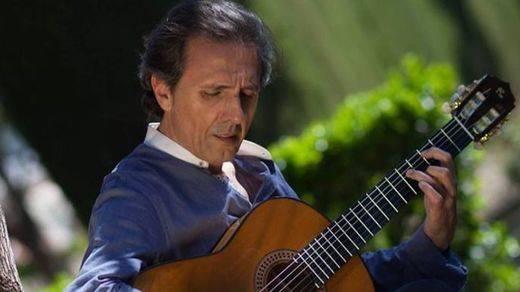 Juan Carlos Romero, un grande de la guitarra, homenajea a otros grandes del flamenco ya desaparecidos