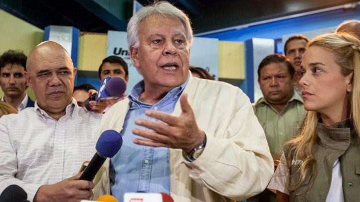 Visita express: Felipe González abandona Venezuela por las trabas del chavismo