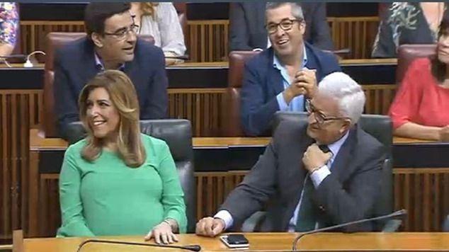 A la cuarta... va la vencida: Susana Díaz, investida presidenta de Andalucía con el apoyo de Ciudadanos