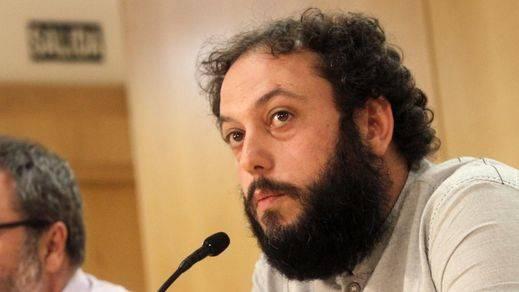 Guillermo Zapata dimite como concejal de Cultura pero seguirá siendo edil de Ahora Madrid