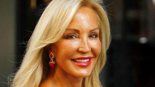 Carmen Lomana, desolada por la muerte de su madre