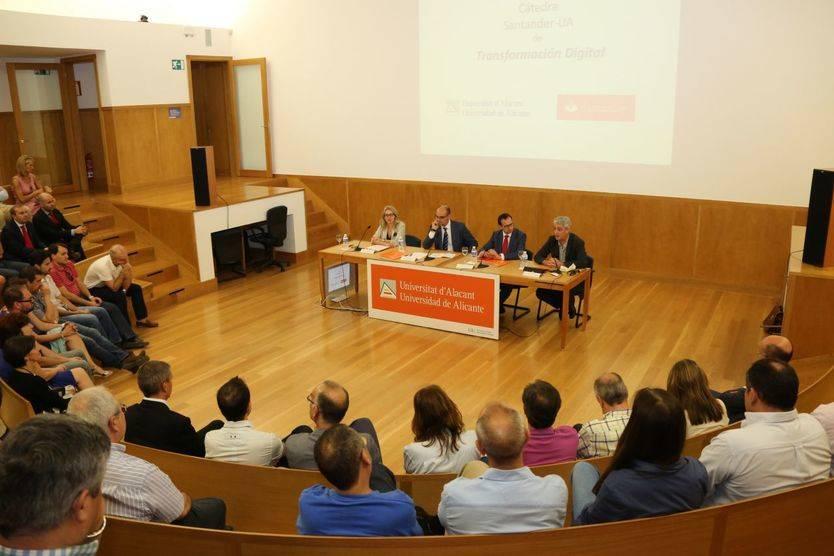 Nueva Cátedra Santander-UA de Transformación Digital, dedicada a los cambios de la nueva sociedad