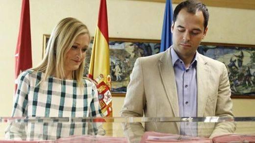Cifuentes (PP) y Aguado (C's) acuerdan despolitizar Telemadrid y parar las privatizaciones sanitarias