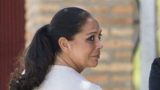 La directora de la cárcel donde está Pantoja, acusada de favores