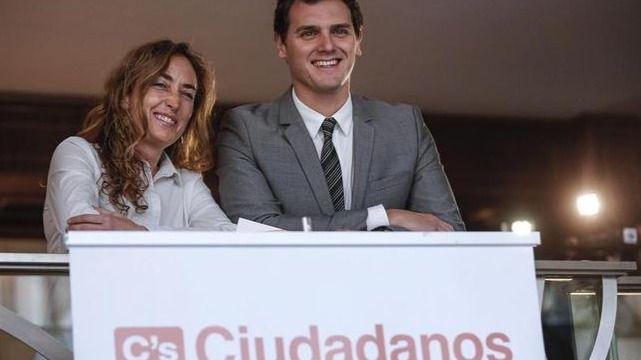 La portavoz de C's en las Cortes valencianas, Carolina Punset, desata la polémica al equiparar la inmersión lingüística con 'volver a la aldea'
