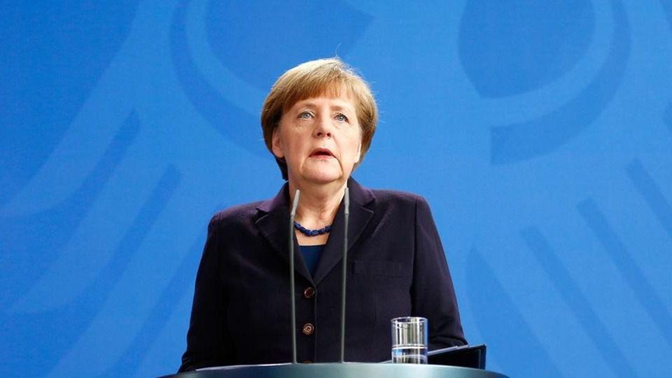 >> Reino Unido y Alemania emiten alertas de viaje sobre Grecia