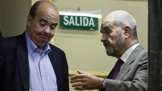 Un problema menos para Susana Díaz: Chaves y Zarrías renuncian a sus escaños