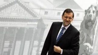 Rajoy devolver� parte de la paga extra a los funcionarios y alerta del frente PSOE-Podemos