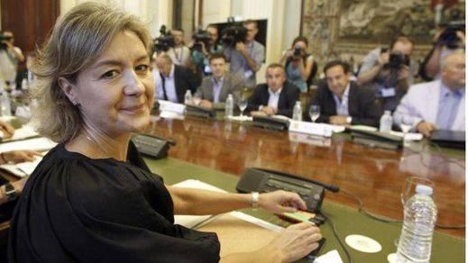 La ministra de Agricultura, García Tejerina, advierte a los griegos: 'Ojo, que las urnas son peligrosas'
