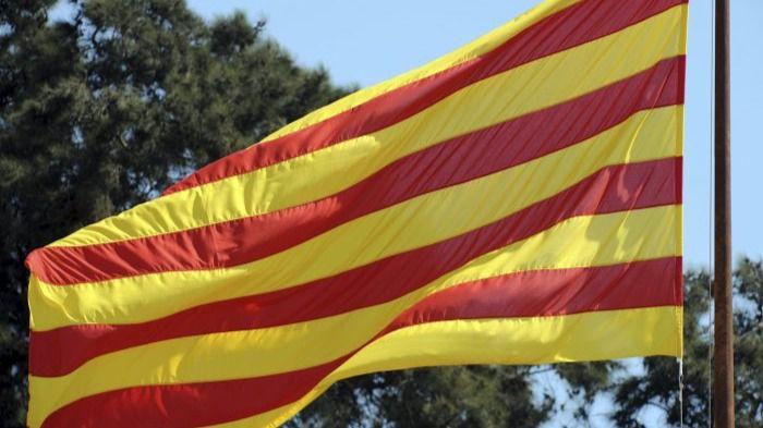 Una lista unitaria independentista sin políticos lograría un 49% de votos el 27S en Cataluña, según una encuesta