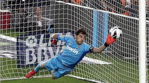 Después de anunciar su salida, TVE asegura que Casillas fichará por el Oporto