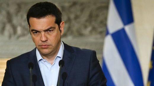 Tsipras 'le promete' a Merkel que presentará una nueva propuesta este martes en Bruselas