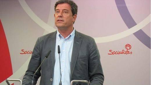 Un problema menos para Pedro Sánchez: Gómez Besteiro renuncia a ser senador mientras esté imputado