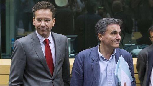 Grecia llega sin nuevas propuestas al Eurogrupo y Dijsselbloem reclama medidas