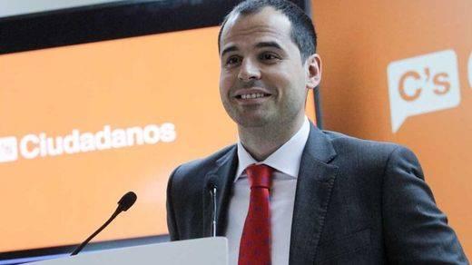 Ciudadanos, PSOE y Podemos, unidos contra la corrupción en Madrid