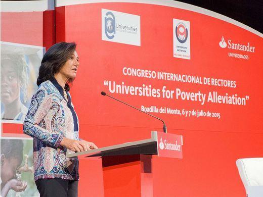 Banco Santander apoya a las universidades en la lucha contra la pobreza