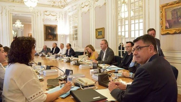 Las Cortes Valencianas rectifican y renuncian a comprar Iphone 6 a sus diputados