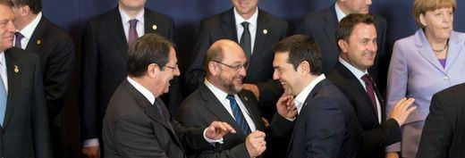 Los líderes europeos logran al fin un 'acuerdo unánime' sobre Grecia 'con reformas serias'