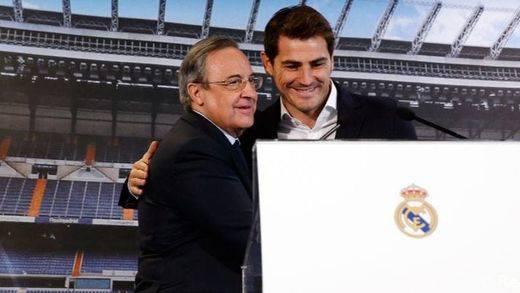 Florentino desmiente a Casillas y el portero asiente: 'Iker nos deja porque fue su deseo, y nadie le ha pedido que se vaya'