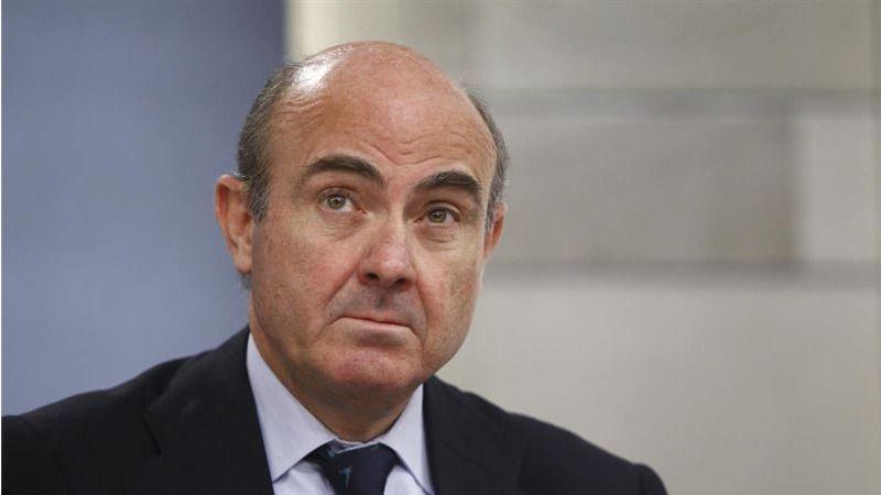 Al PP le 'avergüenza' que Sánchez no apoyara a De Guindos, y el PSOE culpa a Rajoy del 'rotundo fracaso'