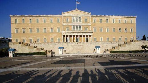 El Eurogrupo liberará ayuda urgente a Grecia tras aprobar el rescate el parlamento heleno