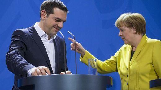 El Parlamento alemán da el visto bueno a la negociación del tercer rescate a Grecia