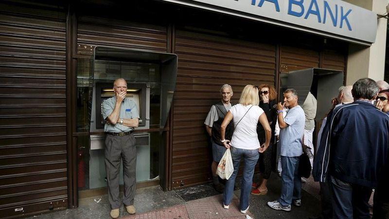 Los bancos griegos reabren al fin este lunes aunque con las mismas limitaciones